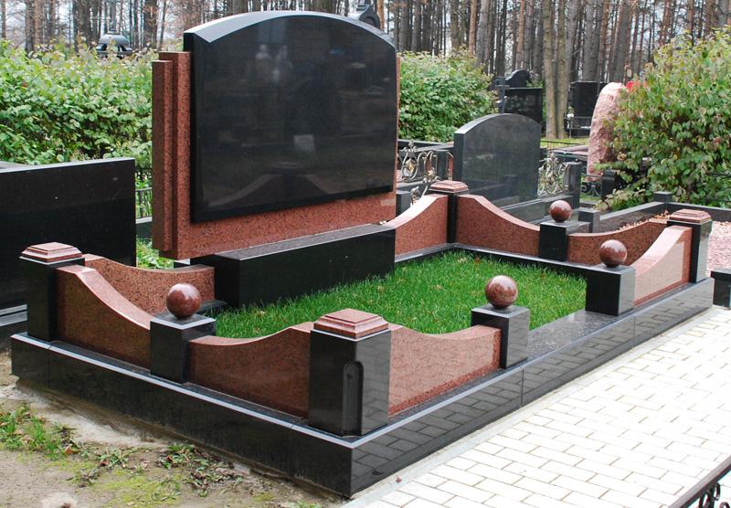 Гранитные памятники в москве у производителя изготовление памятников из натурального камня